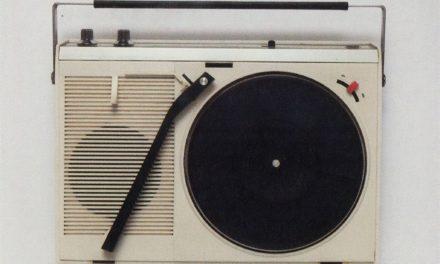 Lecteurs vinyles portables japonais – Emi Itsuno