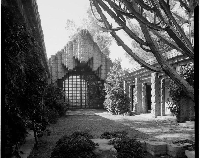 Sowden house – Lloyd Wright