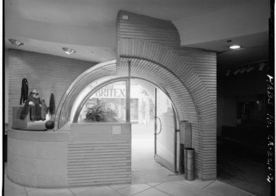 V. C. Morris gift shop - Frank Lloyd Wright 1949 (1)