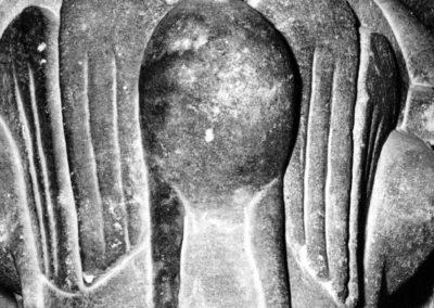Guebwiller - chapiteau décoré par un oiseau de proie