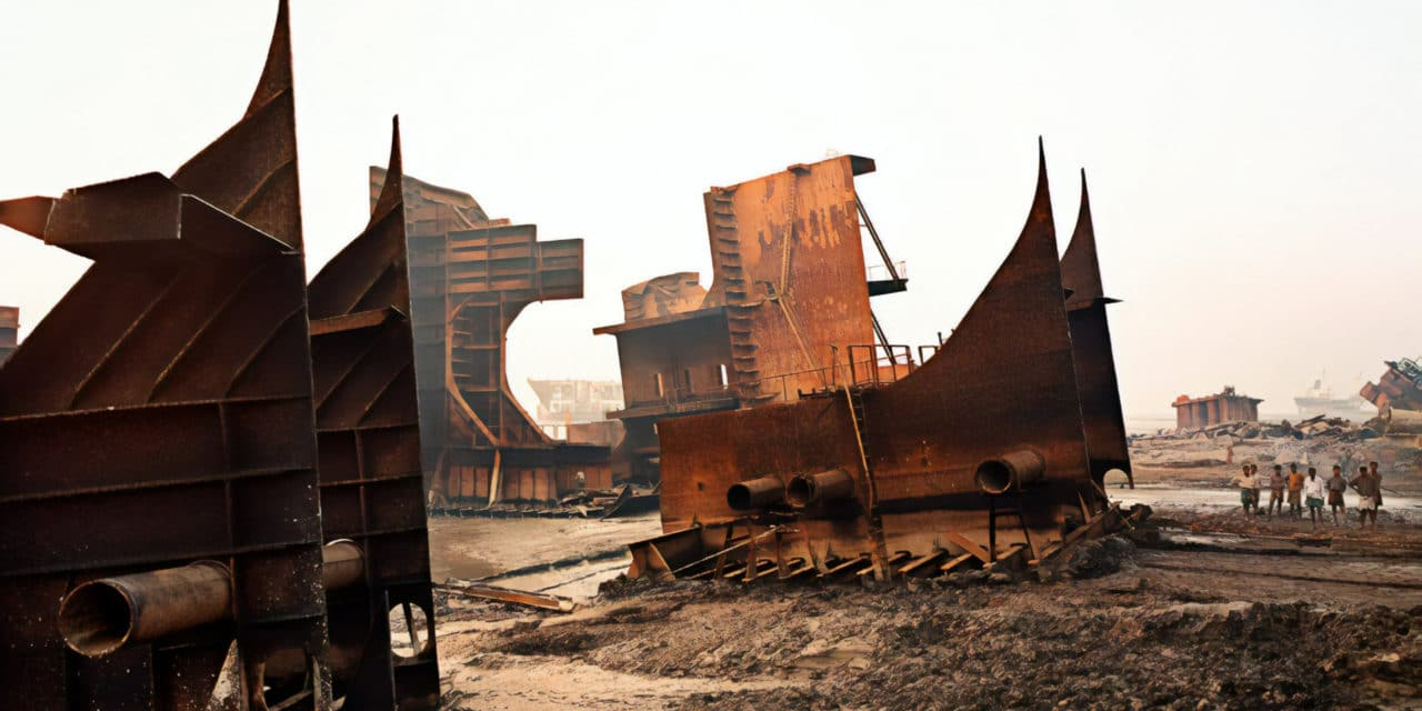 Ship breaking – Edward Burtynsky