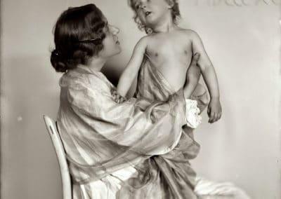 American mother - Gertrude Käsebier 1890 (36)