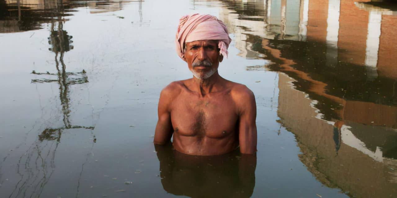 Drowning world – Gideon Mendel